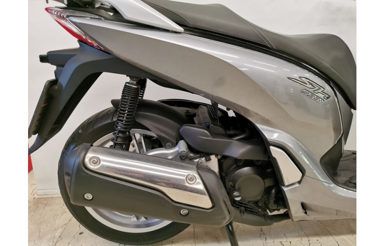 Honda SH300 17 A